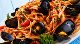 Capellinis moules et tomates cerises