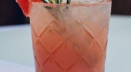 Mocktail pompelmoes en rozemarijn